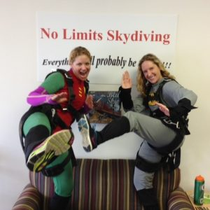 girls-about-to-skydive-in-virginia